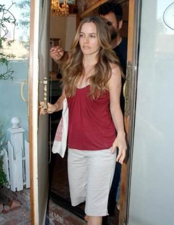 Alicia Silverstone Measurements