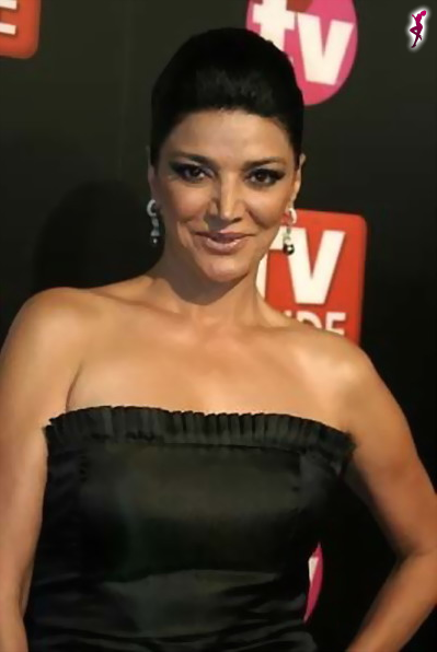 shohreh aghdashloo height